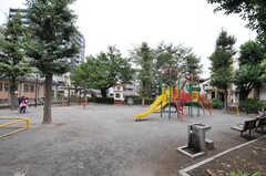 シェアハウス周辺には公園があります。(2011-09-26,共用部,ENVIRONMENT,1F)
