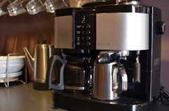 コーヒーマシンの様子。(2013-03-19,共用部,LIVINGROOM,7F)