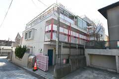 マンションの外観。3Fのオーナー住戸がシェアハウスです。(2020-03-18,共用部,OUTLOOK,1F)