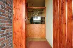 正面玄関から見た内部の様子。(2013-03-21,周辺環境,ENTRANCE,1F)