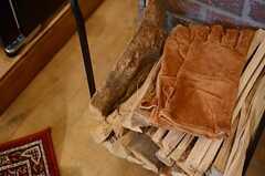 革の手袋がいい感じ。(2013-03-21,共用部,OTHER,1F)