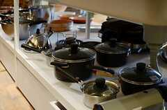 シンク下は調理器具の収納スペース。(2013-03-21,共用部,KITCHEN,1F)