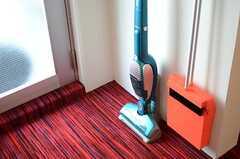 掃除道具も各階に用意されています。(2013-03-21,共用部,OTHER,4F)