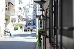 雰囲気の良い玄関灯。(2013-03-21,共用部,OTHER,1F)