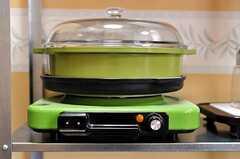懐かしい雰囲気の電気コンロ。(2010-04-09,共用部,KITCHEN,1F)