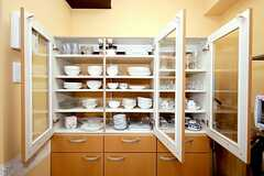 食器棚の様子。(2010-04-09,共用部,KITCHEN,1F)