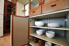 食器棚の様子。(2011-04-12,共用部,KITCHEN,3F)