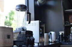 デザイン家電もちらほら混じっています。(2012-04-09,共用部,KITCHEN,1F)