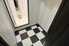 601、602号室で使えるシャワールームの様子。(2012-12-03,共用部,BATH,6F)