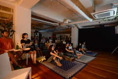 HOUSE CINEMA - 「フランシス・ハ」試写&交流会の様子6。(2014-08-25,共用部,PARTY,)