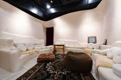 ギャラリースペースの様子。中東にある店舗のような空間です。(2021-03-18,共用部,LIVINGROOM,2F)