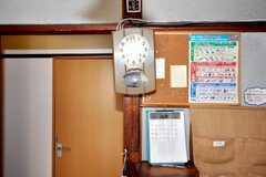 時計が少し斜めになっているのもカワイイ。(2009-08-03,共用部,OTHER,2F)