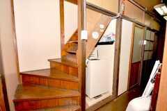 階段の様子。(2009-08-03,共用部,BATH,1F)