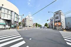 都営大江戸線・落合南長崎駅前の交差点。(2016-07-19,共用部,ENVIRONMENT,1F)