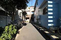 シェアハウスは小さな路地の突き当りにあります。(2012-12-13,共用部,ENVIRONMENT,1F)