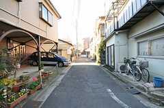 周辺はのどかな住宅街です。(2012-12-13,共用部,ENVIRONMENT,1F)