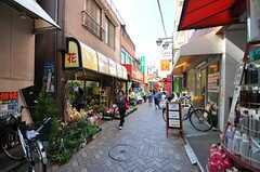 各線・駒込駅近くの商店街の様子。(2013-10-13,共用部,ENVIRONMENT,1F)