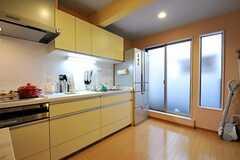 シェアハウスのキッチンの様子2。(2010-11-05,共用部,KITCHEN,1F)
