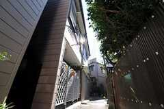 シェアハウスの外観2。(2010-11-05,共用部,LIVINGROOM,1F)