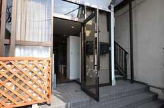 1階の玄関。(2012-02-28,周辺環境,ENTRANCE,1F)