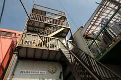 特徴的な階段です。(2012-02-28,共用部,OUTLOOK,1F)