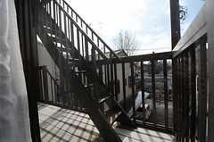 非常階段の様子。(201号室)(2012-02-28,専有部,ROOM,2F)