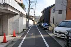 東京メトロ有楽町線・護国寺駅からシェアハウスへ向かう道の様子。(2012-02-28,共用部,ENVIRONMENT,1F)
