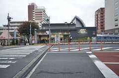 JR・駒込駅の様子。東京メトロの駅もすぐ向かいにあります。(2015-11-09,共用部,ENVIRONMENT,1F)