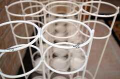 傘立ては部屋ごとに使えるスペースが分かれています。(2011-07-05,周辺環境,ENTRANCE,1F)