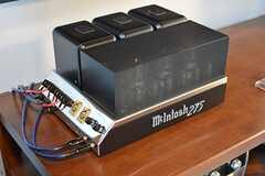 TV台にはマッキントッシュ社の真空管アンプが置かれています。(2016-09-12,共用部,OTHER,1F)