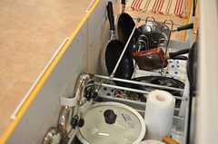 キッチンの引き出しの様子。キッチンツールはひと通り揃っています。(2014-06-19,共用部,KITCHEN,1F)
