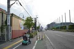 シェアハウスから各線・甲府駅へ向かう道の様子。(2014-06-19,共用部,ENVIRONMENT,1F)